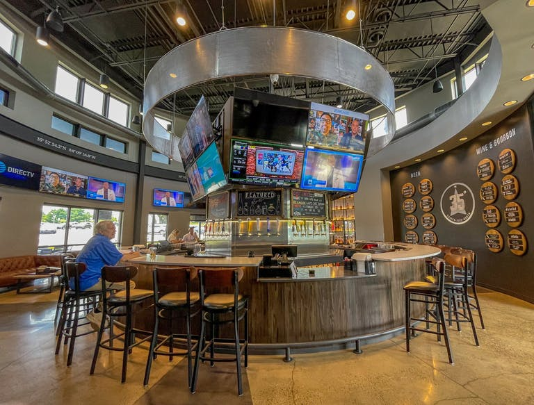 The bar at 35 North in Farragut